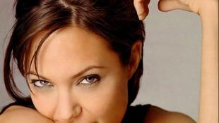 Angelina Jolie lenyomta Madonnát is