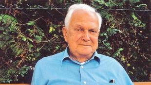 Elhunyt Halász Péter író