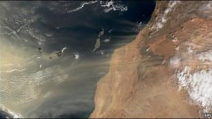 Homokkőfallal a sivatagodás ellen