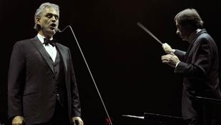 Andrea Bocelli Budapesten jótékonykodott
