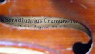 Rekordösszeg a Stradivari-brácsáért