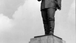 Kiállították Sztálin fülét