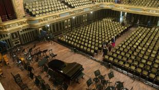 Négy magyar énekes a középdöntőben