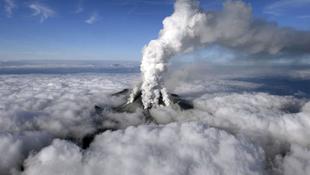 Vulkánkitörés Japánban