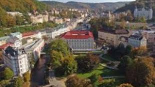 200 filmkülönlegesség Karlovy Varyban