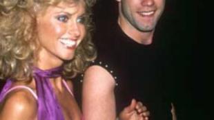 Travolta és Newton-John újra együtt énekel
