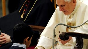 Brazil kisfiú kavarta meg a Vatikán életét
