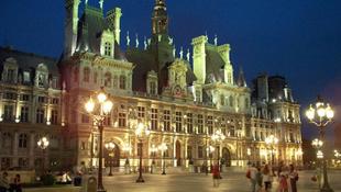 Semmit sem adnak ingyen, Párizsban sem