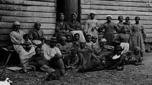 Ötven évnyi bért követel vissza a volt rabszolga