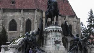 Jelképesen is újraavatják a Mátyás-szobrot Kolozsváron