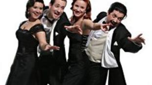 Psota Irénnek ad szerenádot a Cotton Club Singers