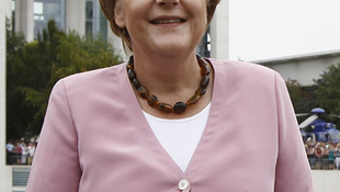 Karl Lagerfeld kritizálta Angela Merkelt