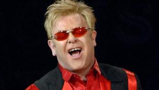 Elton John beszólt Kínának