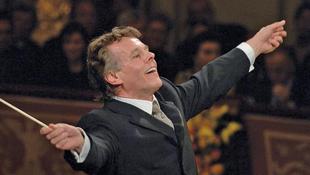 Leköszön a világhírű karmester