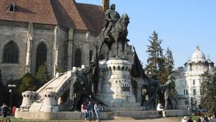 Idén sem kezdődhet el a Mátyás-szobor restaurálása