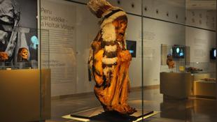 Megajándékozták a kilencszáz éves múmiát