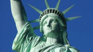24 órában minket les a világ legismertebb szobra