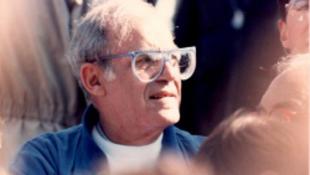 Elhunyt John Strauss