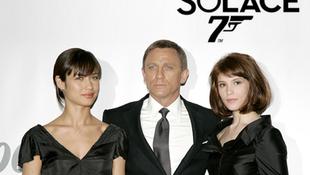 James Bond repülni fog
