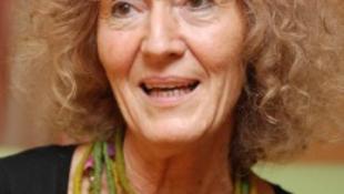Schäffer Erzsébet hisz a jóban