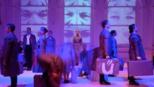 Hontalanítás a Nemzeti Táncszínházban