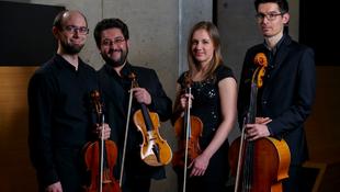 Különös expedíción vesz részt a magyar zenekar