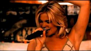 Az énekesnő magánklinikán piheni ki a stresszt