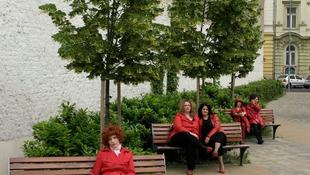Itt az új női zenekar