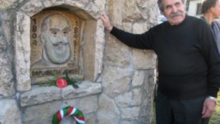 Hiába adták a szobrot, a nacionalistáknak nem kell