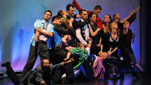 Bujdosás a tánc világnapján
