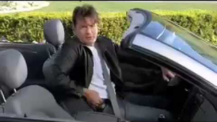 Letiltották Charlie Sheen alsónadrág-reklámjait