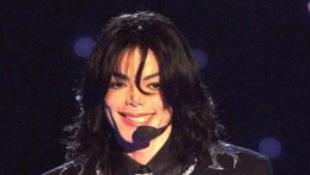 Politikus rúgott a halott Jacksonba