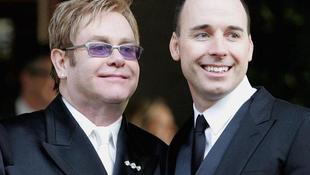 Összeházasodott Elton John és élettársa