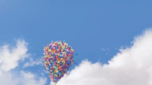 Két hete ugyanazon a helyen áll egy óriási léggömb Amerikában