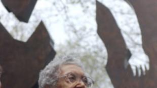 Elhunyt a híres, számüzetésben élő művész