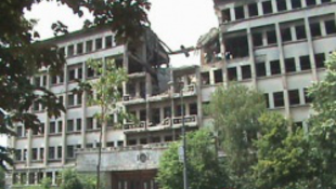 Belgrád romokban hever, csodás épületek lesznek az enyészeté