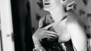 Monroe parfümbe öltözött