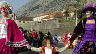 Kezdődik a kotori karnevál