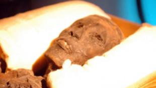 Nevezzük át a múmiát!