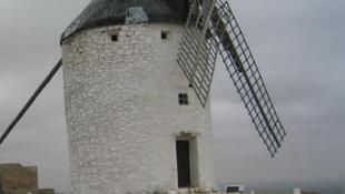 Ismét forognak Don Quijote szélmalmai