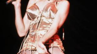Madonna letaszította a Beatlest a trónról