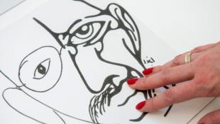 Hírességekről készített portrét az autista művész