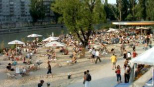 Fél Pécs Bécsben strandol!