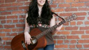 Vadállatok szaggatták halálra az ifjú énekesnőt