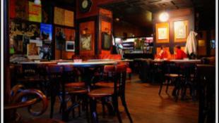 Füstmentes marad a legendás kávéház