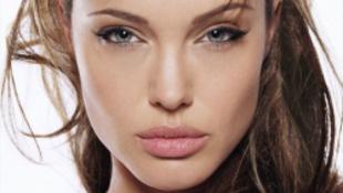 Angelina Jolie-t kapta meg a német tehetség