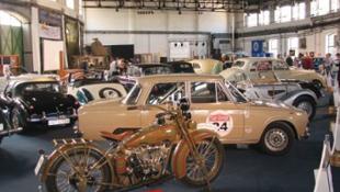 Százéves autók a Vasúttörténeti Parkban