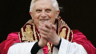 Az egyházfő az interneten térít