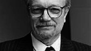 Meghalt Varga Gyula