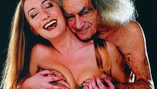 A vénemberrel szexelő lány újra boldog